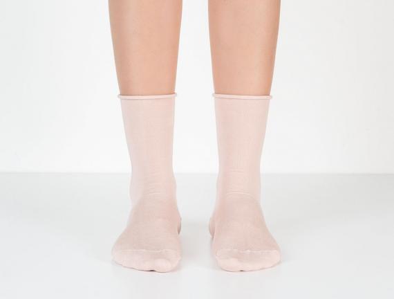 Lastiksiz Kadın Soket Çorap - Pudra