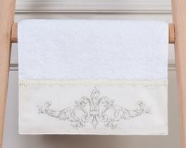 Fleur De Lis Baskılı Havlu Beyaz 30x46cm