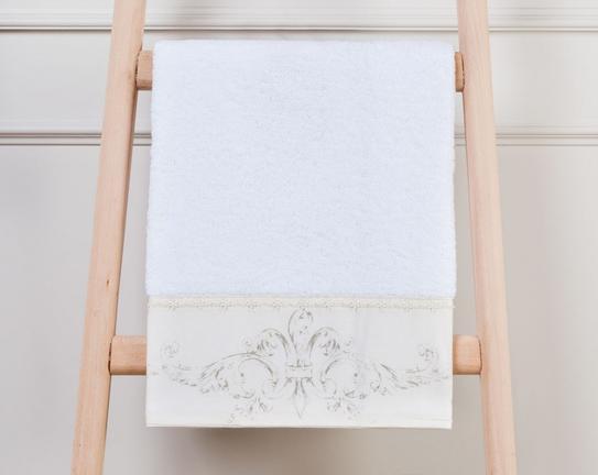 Fleur De Lis Keten Ayrıntılı Banyo Havlusu - Beyaz
