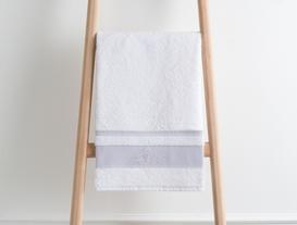 Bordürü Nakışlı Havlu 50x76cm - Beyaz/Mürdüm
