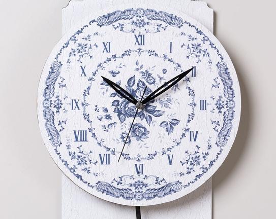 Sarkaçlı Duvar Saati