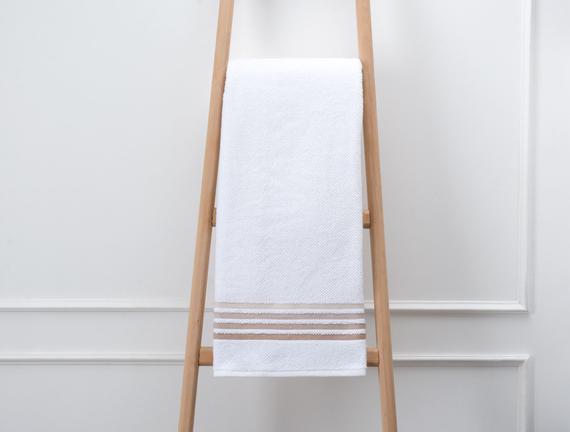 Bordürlü Banyo Havlusu - Beyaz / Toprak