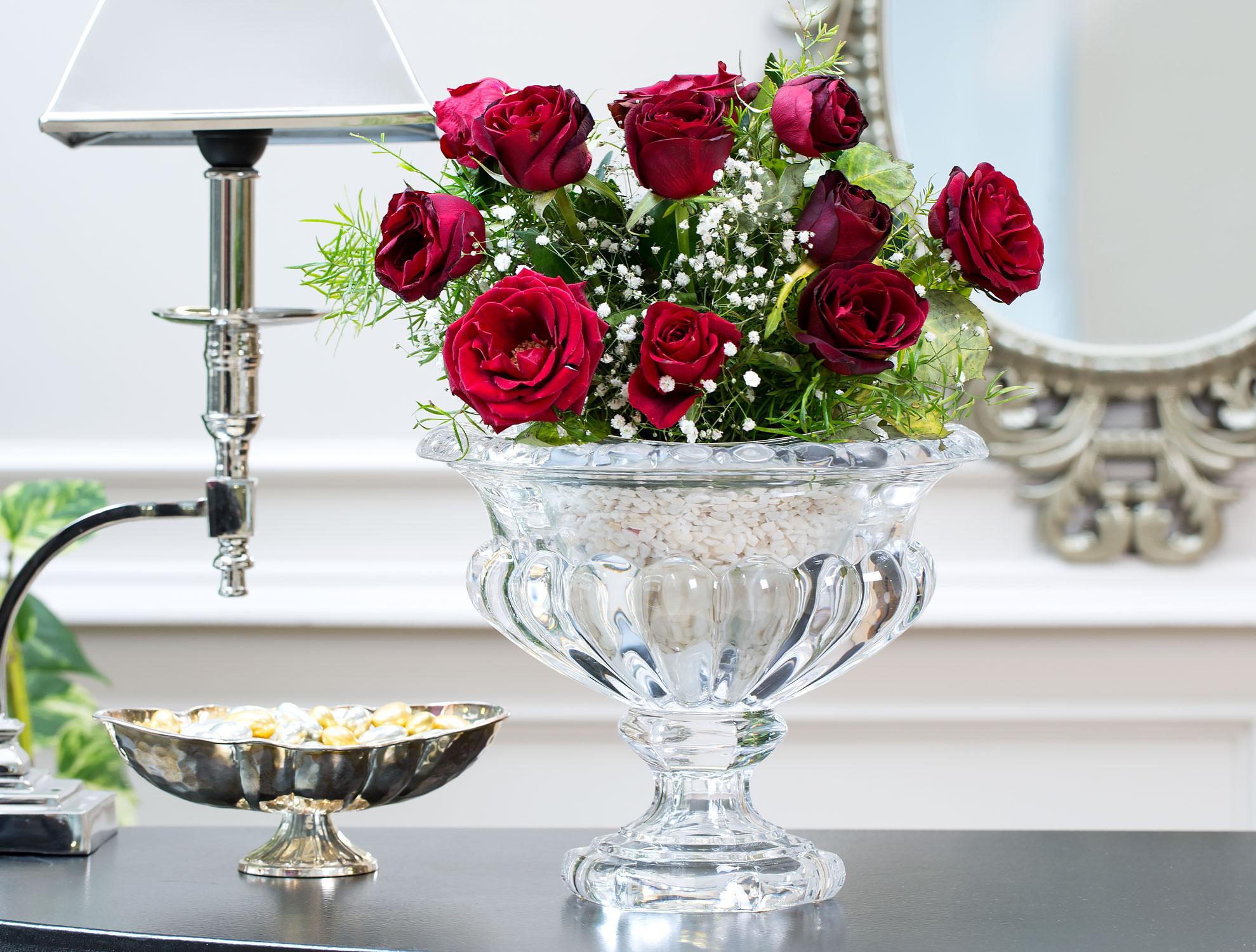 кто букеты цветов в хрустальной вазе фото орех