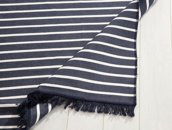 Stria Saçaklı Dokuma Kilim - Lacivert / Beyaz - 80x150 cm