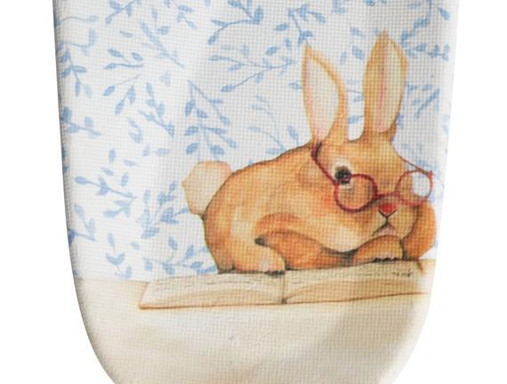 Bayan Çiftbant Okuyan Tavşan