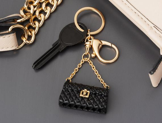 Siyah Çanta Figürlü Anahtarlık