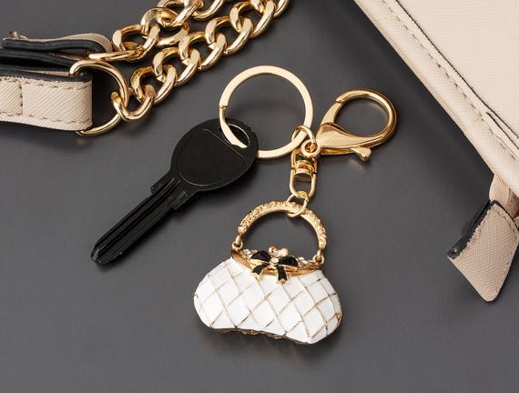 Beyaz Çanta Figürlü Anahtarlık