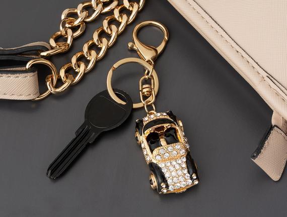 Siyah Beyaz Araba Figürlü Anahtarlık - Gold