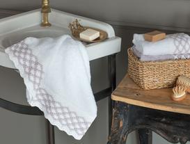 Kroşe Dantel Banyo Havlusu - Beyaz / Lila