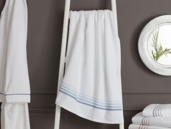 Ruban Armürlü Banyo Havlusu - Beyaz / Mavi - 70x140 cm