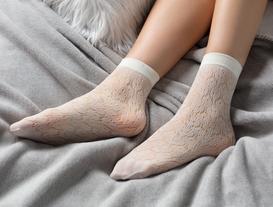Petunya Petekli Soket Çorap - Ekru