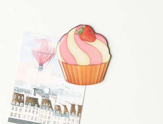 Buzdolabı Magneti - Çilekli Cupcake
