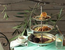 Cafe De Paris 3'lü Kek Standı