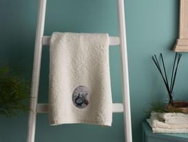 Bouteille de Parfum Dijital Baskılı Nakışlı Havlu 50x76 cm