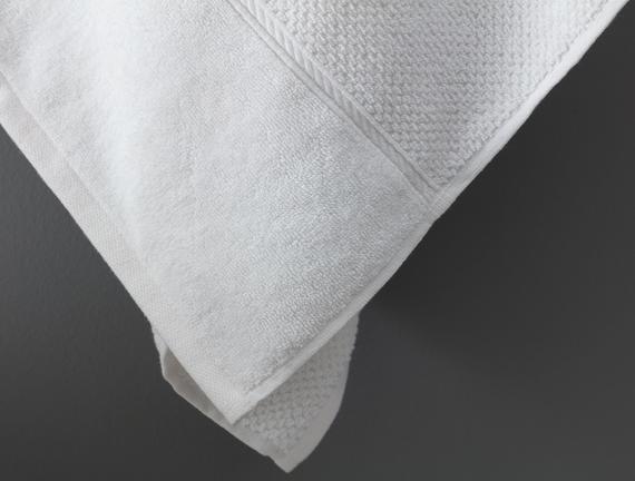 Riz Jakarlı Banyo Havlusu - Beyaz - 80x150 cm
