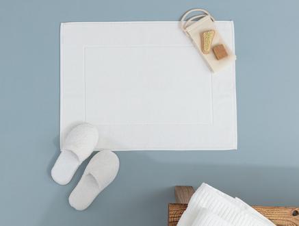 Riz Jakarlı Ayak Havlusu - Beyaz