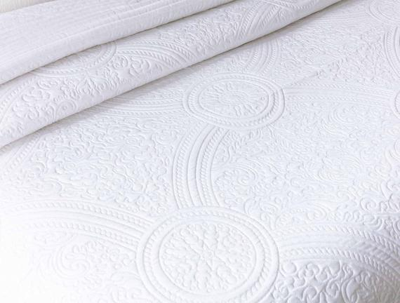 Lucien Starlight King Size Yatak Örtüsü - Beyaz