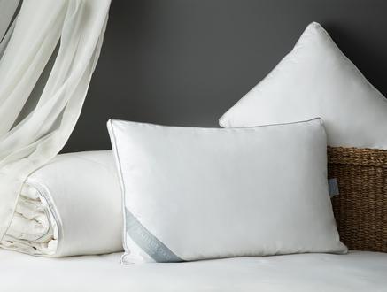 Lili Kaz Tüyü Yastık - Beyaz