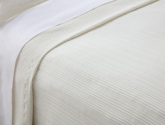 Drury Çift Kişilik Yatak Örtüsü - Beyaz