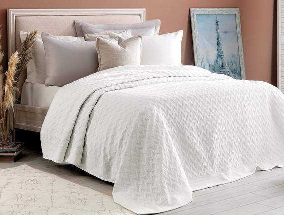Evelyn Çift Kişilik Yatak Örtüsü - Beyaz