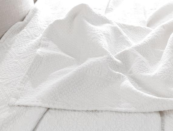 Elita Çift Kişilik Yatak Örtüsü - Beyaz