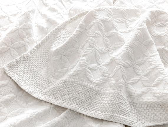 Eliane Çift Kişilik Yatak Örtüsü - Beyaz