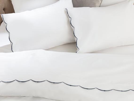 Felicia King Size Nakışlı Nevresim Takımı - Beyaz / Lacivert