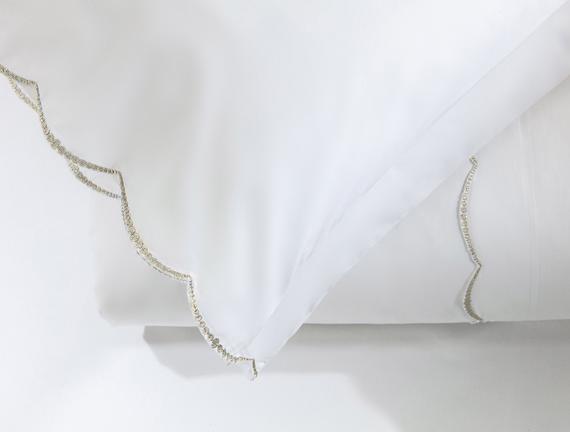 Felicia King Size Nakışlı Nevresim Takımı - Beyaz / Gold