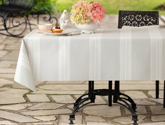 Raymond Masa Örtüsü - Gri / Beyaz