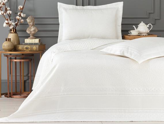 Matiese Çift Kişilik Yatak Örtüsü - Beyaz