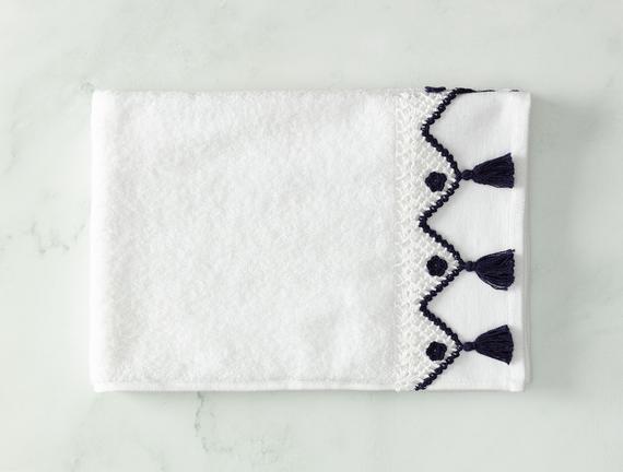 Madie Kroşeli Yüz Havlusu - Beyaz / Lacivert - 50x70 cm