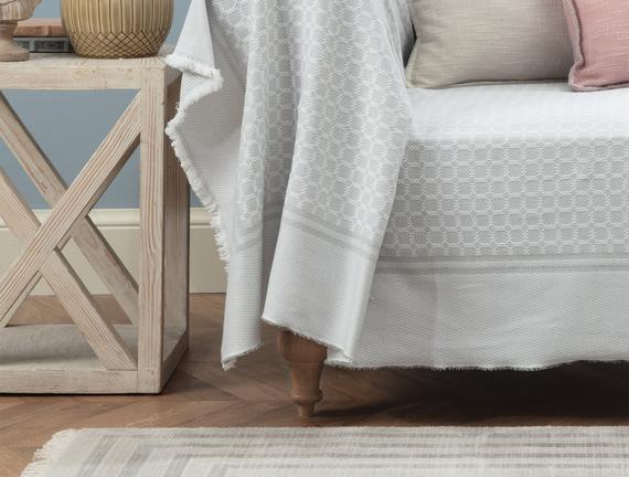 Sherly Koltuk Şalı - Gri / Beyaz - 160x180 cm